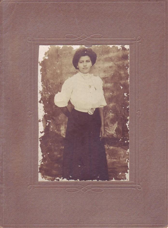 Bessie Henderson 001