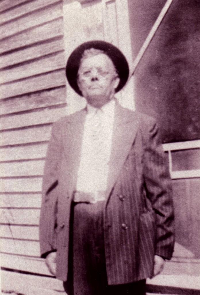 Elias L Henderson