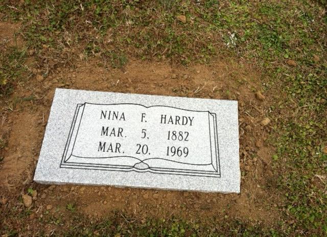 Aunt Ninas stone